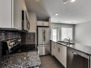 SUPER CUTE AND COZY 812 SQFT 2 BEDROOM TOWNHOME IN TAMARACK!!