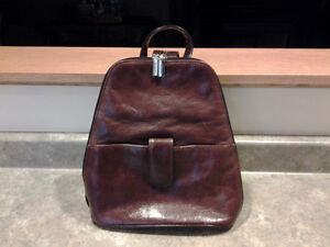 BROWN LEATHER BACKPACK STYLE