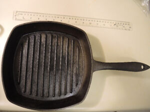 a Lagostina Black Cast Iron Grill Pan, 10-in