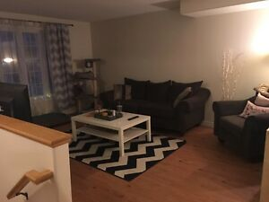 1 rm in 3brm townhome, inclusive.