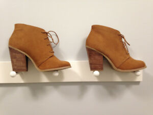 Brown suede fall ankle boots