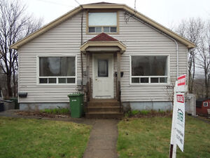Location!Location!Location! Legal 2 Unit Home on Windsor St