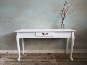 White Sofa Table with Drawer