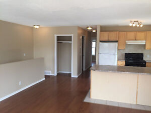 TWO BEDROOM STRATHMORE TOWNHOUSE FOR RENT, ALL APPLIANCES