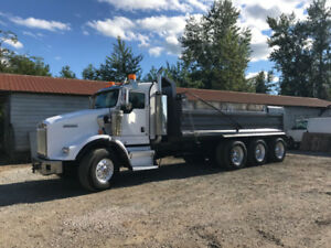 2006 Kenworth T800 Tri Drive HEAVY SPEC Dump Truck - NEW ENGINE