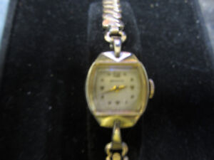 Ladies Vintage Berus Swiss Watch