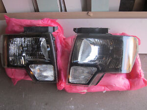 RIGHT AND LEFT HEADLIGHT FOR SALE  F150