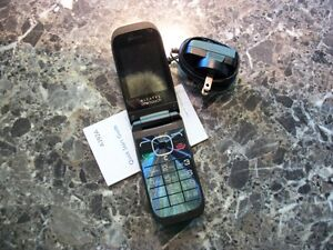 WANTED - OLDER FLIP PHONE THAT TAKES A SIM CARD