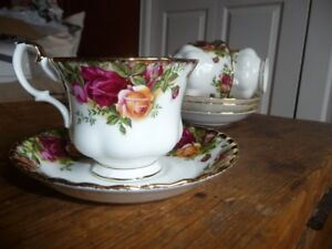 Old Country Roses Teacup and Saucer sets