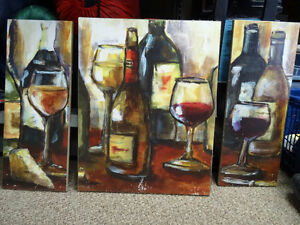 WINE GLASSES AND BOTTLES WALL PLAQUES