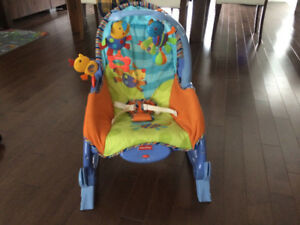 Chaise vibrante et berçante portative Fisher-Price 30$