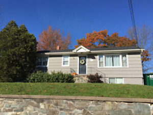 3 Bed. Bungalow – Great Starter Home in Lr. Sackville!