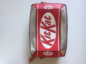 Kit Kat Purse