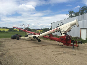 Farm King 16x84 and 16x104 Swing augers (FREE DELIVERY)