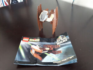 Star Wars Lego set #7111 - Droid Fighter.
