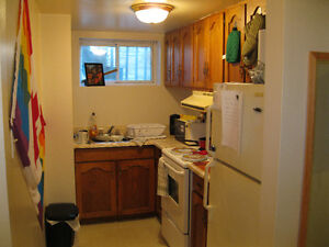 1 BRM $795 includes heat and water - near downtown & waterfront