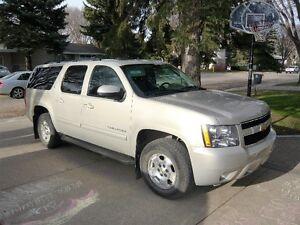 2010 Chevrolet Suburban LT SUV, Crossover - PRICE REDUCED!