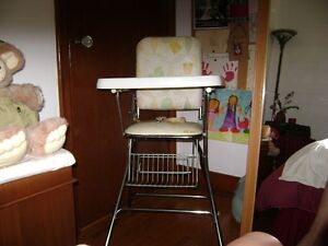 Folding High Chair Kitchener / Waterloo Kitchener Area image 1