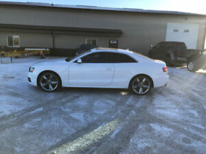 2011 Audi A5 S-LINE FULLY LOADED! 62,000 MILES!