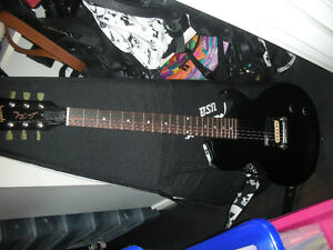 Rarely Used new Gibson Les Paul guitar and Spyder amp