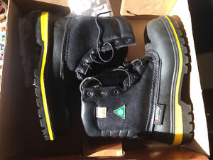 NEW SIZE 7 BAFFIN PREDATOR STEEL TOED WORK BOOTS