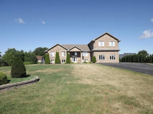 (7 ACRE HOBBY FARM) 2705 DIVISION,  KINGSVILLE, ONTARIO