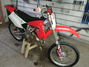 Honda cr 125 2 temps 2000 tres clean