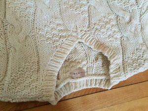 Cream color woolen sweater for sale