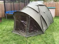 Large 2.5 person Fox fishing bivvy / 4 person tent
