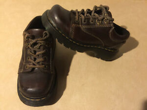 Dr. Martens Airwair Shoes Size 4 Male, 5 Women London Ontario image 8