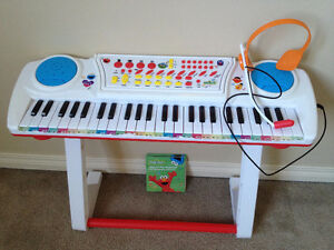 Keyboard with Microphone and Stool (Sesame Street)