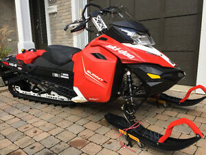 2015 Ski-Doo Summit SP 800 E-TEC 154''. ONLY 2 215 kms.