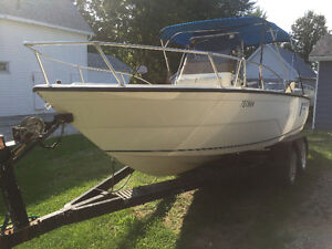 21' Center Console 150 HP Mariner Outboard