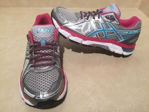 Women's Asics Gel-Fortify Running Shoes Size 9 London Ontario image 2