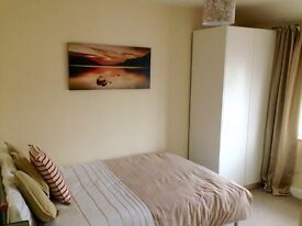 Available Immediately - One bedroom - your own ensuite - studio - all bills inclusive - Bradville