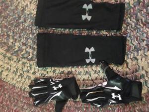 Under armour youth football gloves and sleeves size large