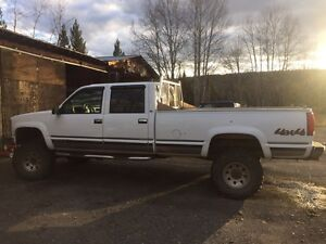 2000 Chevy 1 ton 4 wheel drive Crew Cab