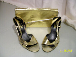 Gold High Heels with matching clutch purse - Retro