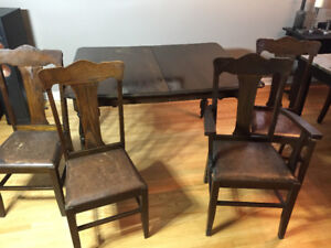 FS Vintage wood table and 4 dining chairs