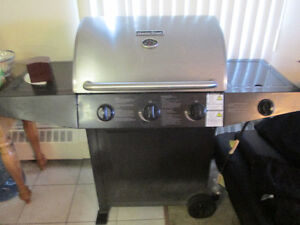 MASTER CHEF BBQ OUTSTANDING CONDITION 2 TANKS + COVER