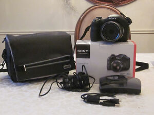 SONY cyber-shot DSC-H300 camera **LIKE NEW**