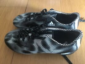 Adidas Boys football boots size 5 1/2