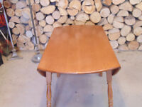 Drop-leaf Dining Table with 6 Chairs