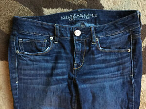 Bag of American Eagle Women's/Youth Clothes