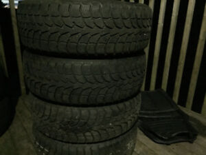 Four Winter Claw 195/65R15 Winter Tires