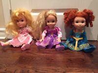 3 Poupees Disney Princesse /Princess ( Aurore Raiponce Rebelle )