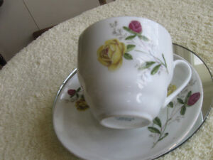 DAINTY OLD VINTAGE CHINA CUP & SAUCER