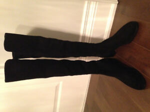 New Stuart Weitzman Reserve Boots in Suede size 9