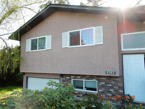 5 BDRM Single Home with Huge Lot for Rent