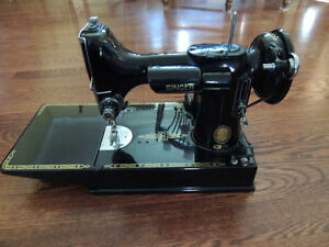 Singer featherweight sewing machine 221-1 from 1955